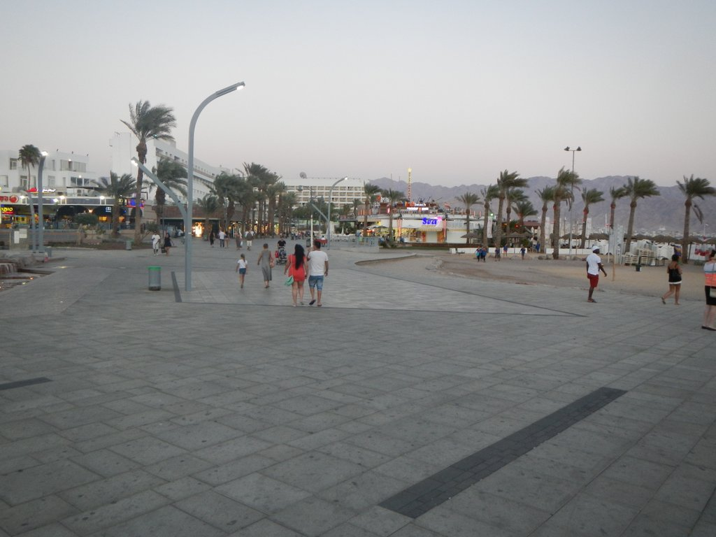 The promenade just before the night life transforms it.