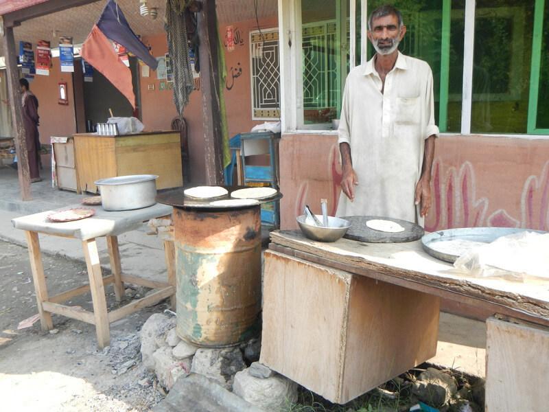 Street breakfast in Manshera